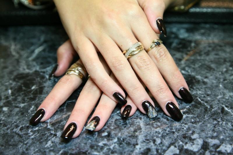 Black classic nails