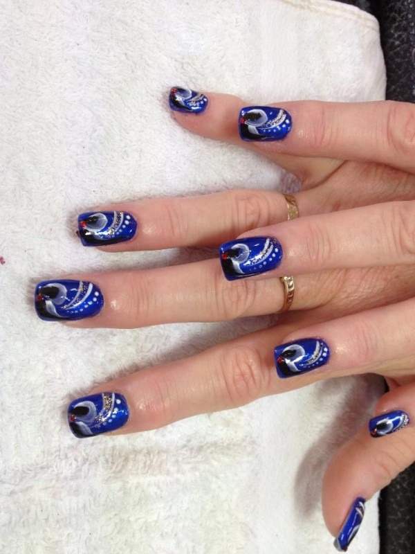 Eye catching nail design